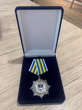 Адвокату Максиму Ковалю вручили знак отличия «За заслуги перед Николаевщиной» от Николаевского областного совета.